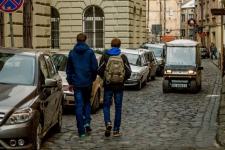 Проїзд вузькими вуличками Львова